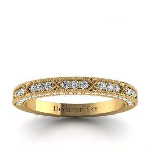 Piękno detali - Obrączka ślubna Diamond Sky z brylantami, żółte złoto