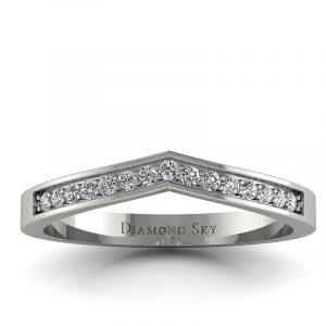 Dopasowana - Obrączka ślubna z białego złota z diamentami