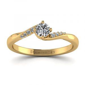 Brylantowy czar - Pierścionek zaręczynowy z żółtego złota z diamentem 0,20 ct SI1/H