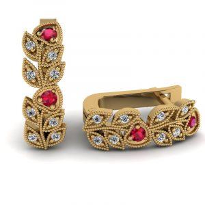 Naturalne piękno - Kolczyki z żółtego złota z rubinami i diamentami